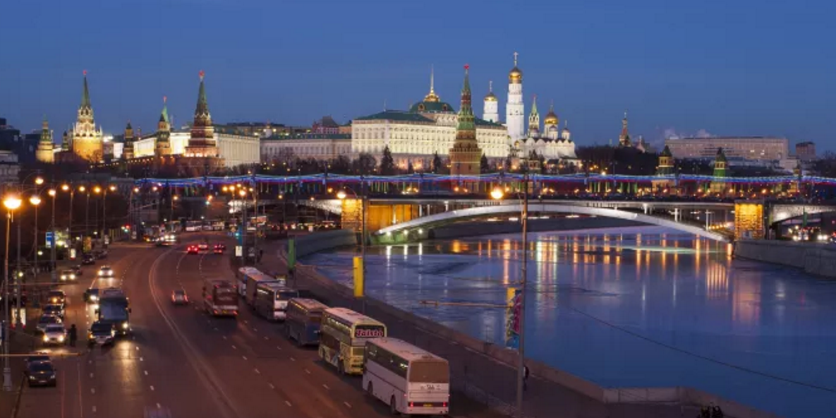 Moscow reacts with reserve on Washington sanctions