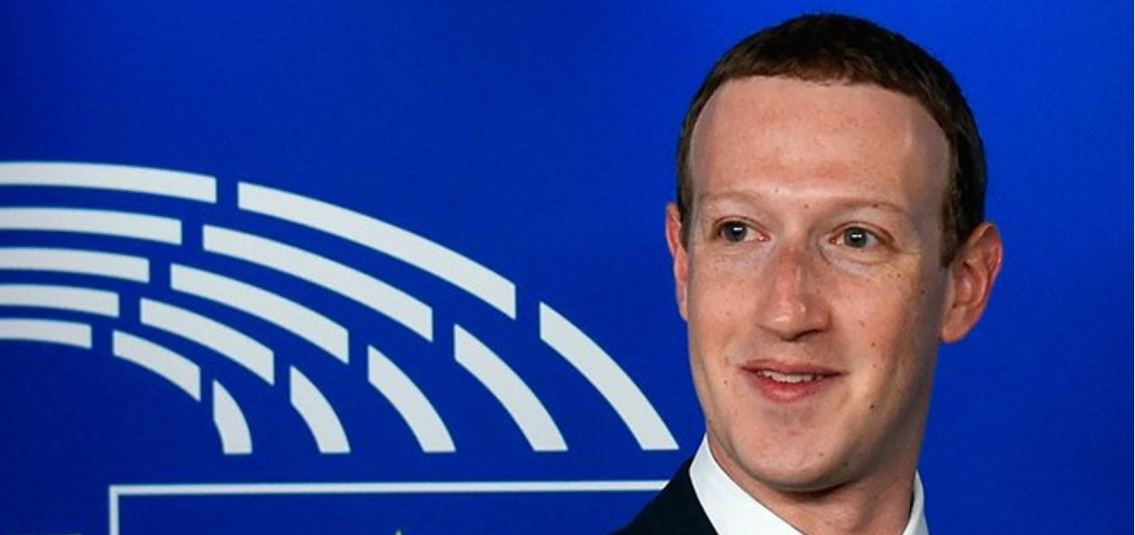 Zuckerberg promotes Facebook in Brussels