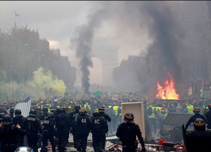 French hypocrites versus Yellow Vests