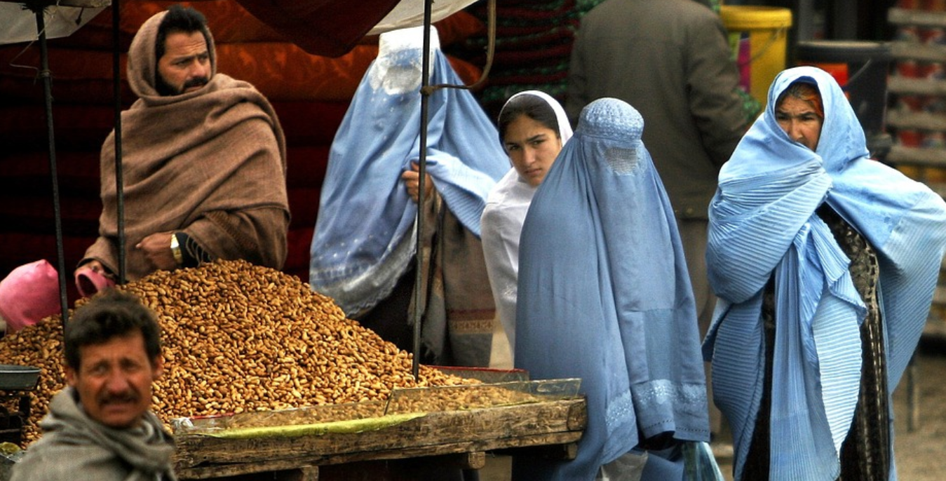 Kremlin issues warning to Taliban